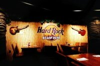Does Hard Rock Cafe Have An Indoor Pool
